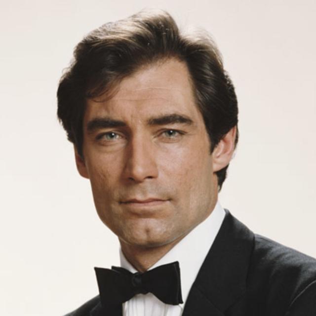 """Тимоти Далтон. Пик карьеры актера пришелся на 1983 год, когда на экраны вышел сериал BBC """"Джейн Эйр"""", а статус секс-символа закрепился за ним в конце 80-х, когда он сыграл агента 007 Джеймса Бонда в фильмах """"Искры из глаз"""" и """"Лицензия на убийство""""."""