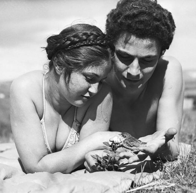 В 1938 году Дина вышла замуж за молодого кинорежиссера Сашу Верни, но с Аристидом Майолем не рассталась.
