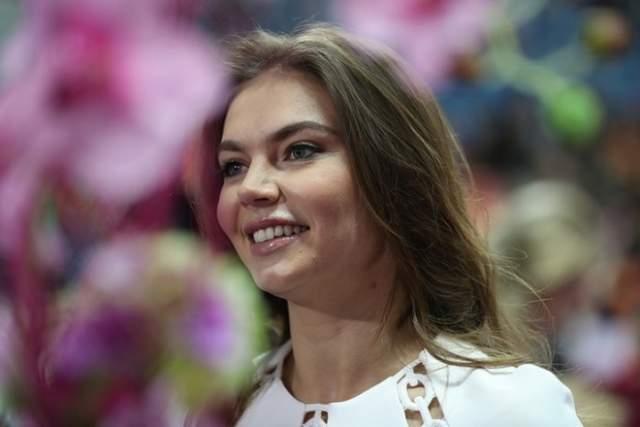 Алина Кабаева Спортсменка, общественный и политический деятель, менеджер. Ее имя занесено в Книгу рекордов Гиннесса в качестве пятикратной чемпионки Европы, чего не достигла еще ни одна гимнастка мира.