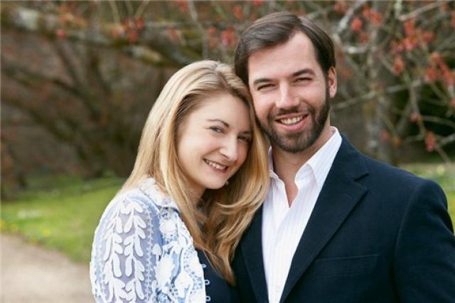 Как полагается наследнику престола принц женился на знатной даме - графине Стефании де Ланнуа.