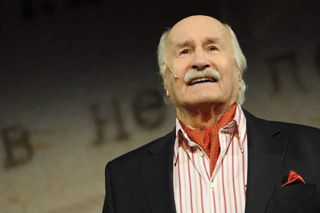 Владимир Зельдин, 81 год карьеры. Наряду с Н.А.Анненковым был одним из двух мировых профессиональных театральных актеров, которые, оставаясь в профессии, отметили 100-летний юбилей.