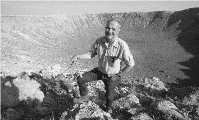 """Часть праха ученого была доставлена на спутник Земли в 1999 году аппаратом """"Лунар Проспектор""""."""
