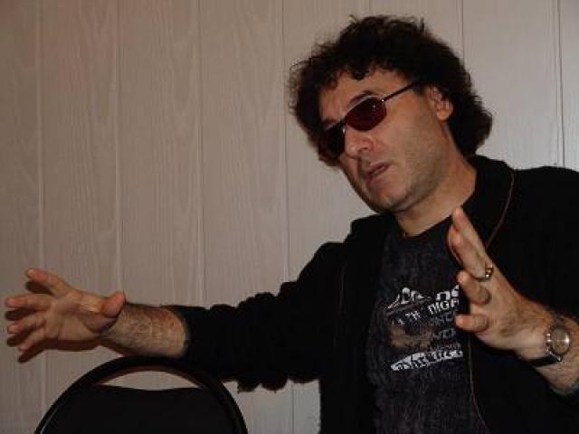 Армен Григорян. Рокер помимо музыкальной деятельности занимается архитектурой, на его счету уже несколько проектов, причем один из них в Канаде.