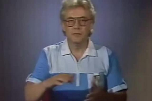 """В конце 1970-х годов во время подготовки разоблачительных статей по теме шарлатанов-целителей почувствовал в самом себе странные способности, насыщенность некоей """"энергией""""."""