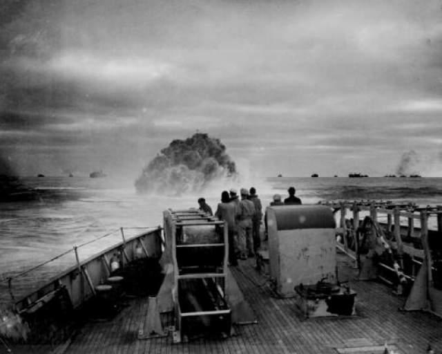 """Из доступной информации известно следующее: в 1943 году ученые решили провести эксперимент по размагничиванию корабля или, как принято говорить, """"дегауссизации"""", сделав судно невидимым для магнитного взрывателя мин и торпед."""