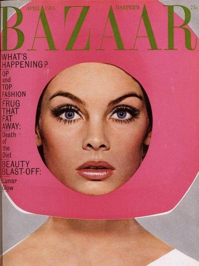 Harper's Bazaar, апрель 1965. Снимок модели Джин Шримптон в розовой картонке стал одним из символов 60-х.