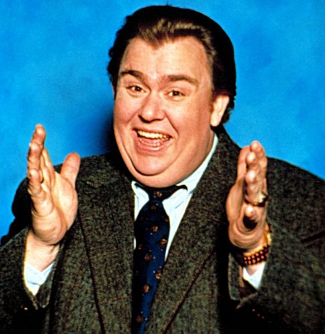 Джон Кэнди. Обаятельный толстяк-актер сумел построить блестящую карьеру в Голливуде, играя в успешных комедиях.