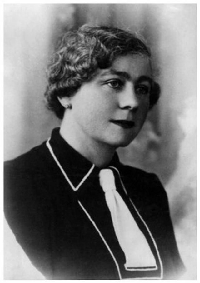 """Марджа Боодтс. Впервые женщина объявилась во Франции перед началом Второй мировой, собирая у аристократов средства для """"чудом спасшейся великой княжны"""" Ольги, вынужденной просить милостыню."""