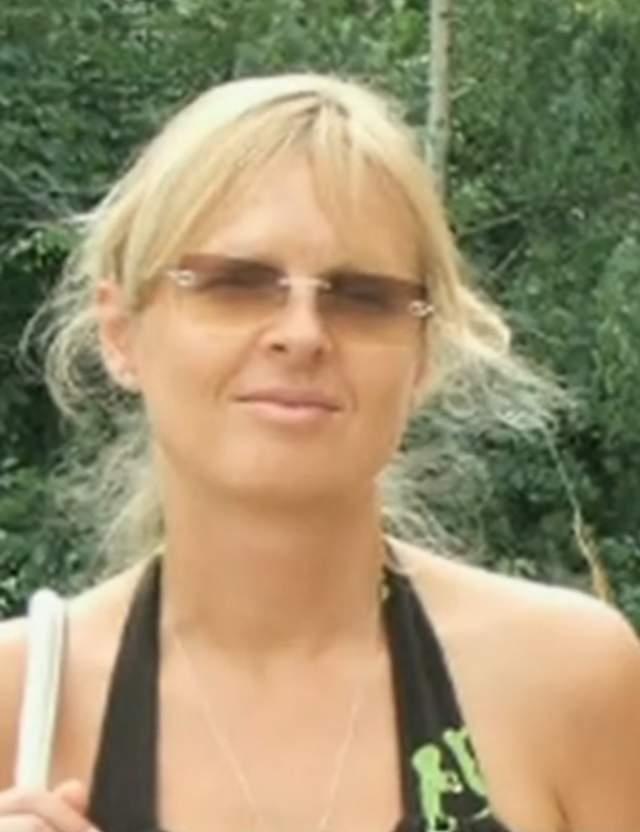 Несколько лет Оксана занималась исключительно обустройством семейного очага и воспитанием сына, а позже работала исполнительным директором фирмы.
