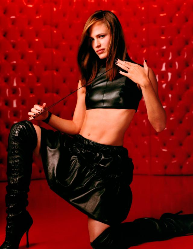 """Дженнифер Гарнер 2002 Голливудская актриса, продюсер, обладательница """"Золото глобуса"""" за роль Синди Бристоу в сериале """"Шпионка""""."""