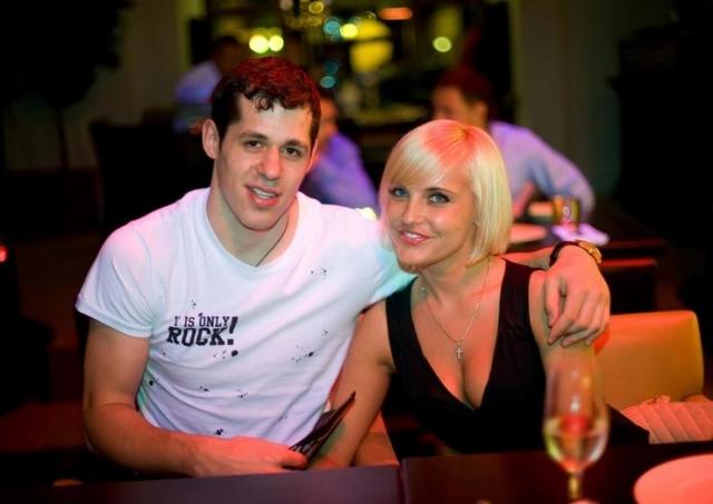 Кстати, до этого у Малкина был неудавшийся роман с Оксаной Кондаковой (выбор спортсмена не одобрила семья)...