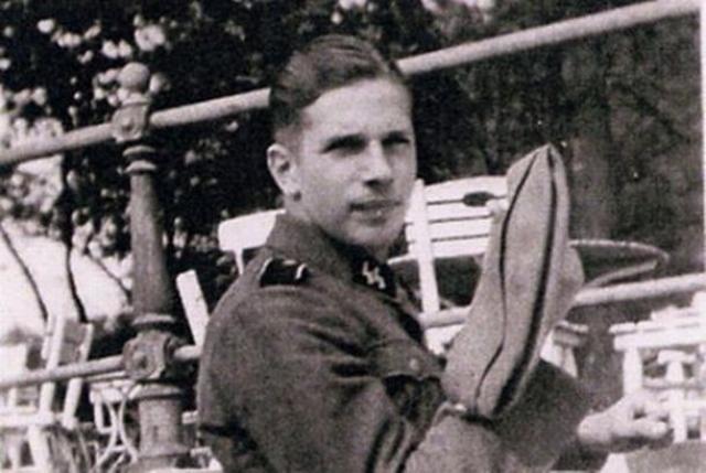 Клаас Карел Фабер. Преступник был добровольцем в голландском отделении СС, служил в лагере Вестерборк, из которого голландские евреи депортировались в лагеря смерти.