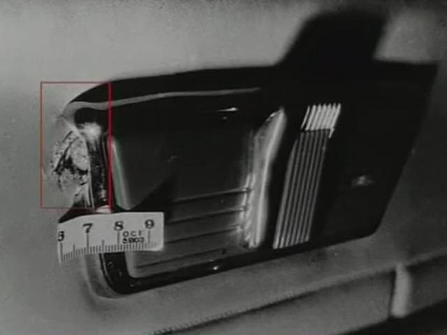 За шесть секунд он успел выпустить 11 пуль. Еще 5 были обнаружены в магазинах. К слову, для Брежнева эта стрельба не носила никакой угрозы, его бронемобиль въехал в Кремль через Спасские ворота.