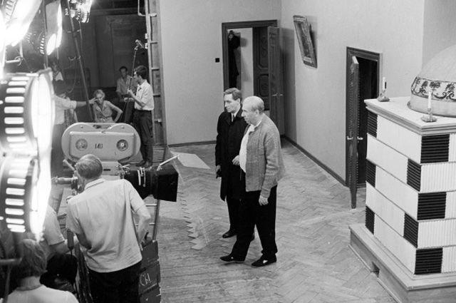 Премьера фильма состоялась в конце лета 1973 года: с 11 по 24 августа вся страна буквально прильнула к экранам телевизоров. Согласно милицейским сводкам того времени, по всей стране резко снизилась преступность.