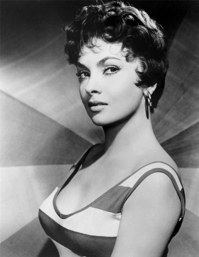 В 1960-х годах Лоллобриджида стала реже сниматься в кино, объясняя это тем, что не хочет повторяться, в своих интервью актриса говорила, что каждая последующая роль должна быть лучше предыдущей, но это практически невозможно из-за обилия стандартных сценариев.
