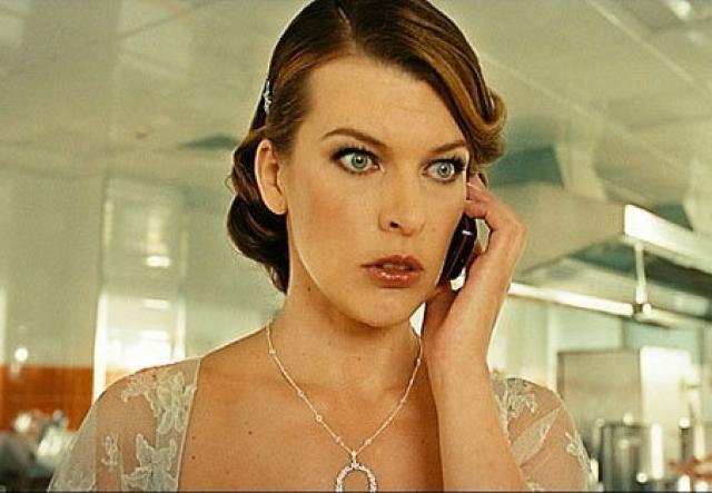 Чтобы оправдать акцент главной героини, сценаристы придумали, будто Надя долгое время жила в Лондоне.