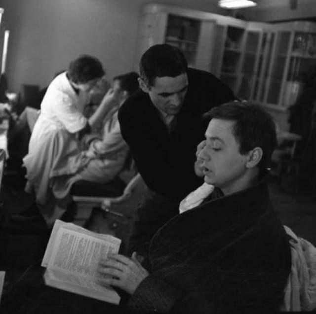 """О. Табаков на съемках фильма """"Война и мир"""". Автор: Князев Андрей 1960 год"""