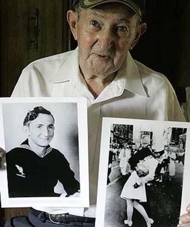 """Снимок был помещен на обложку журнала """"Лайф"""". Впоследствии выяснилось, что героями его стала медсестра Грета Циммер Фридман и моряк Джордж Мендоса. 19 февраля 2019 года Мендоса умер."""