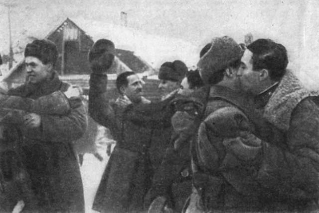 """Он отличился при операции """"Искра"""", положившей начало к поражению немцев на Ленинградском фронте."""