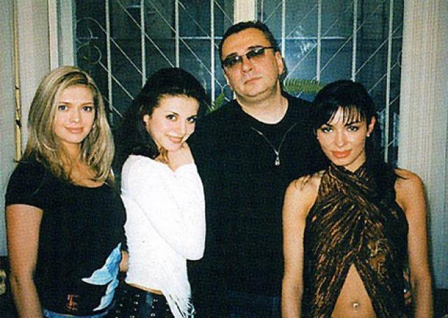 """В том году Вера принимает участие в конкурсе красоты местного значения «Мисс Днепропетровск», где и была замечена кем-то из приятелей продюсеров группы """"ВИА Гра""""."""