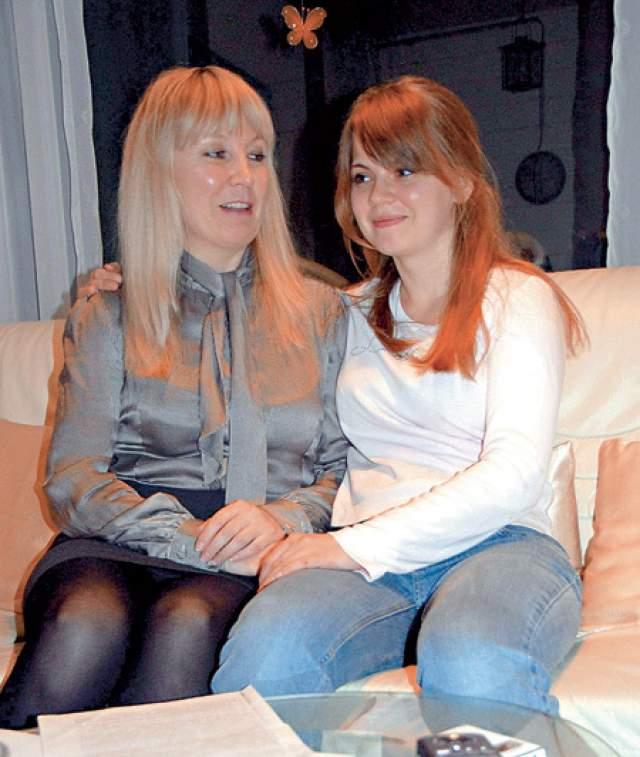 В 2011 году в желтой прессе появилась информация о том, что Надежда Тилер воспитывает дочь от случайной связи с Серовым, который признавать дочь Кристин отказывался, поскольку забыл о связи с этой женщиной.