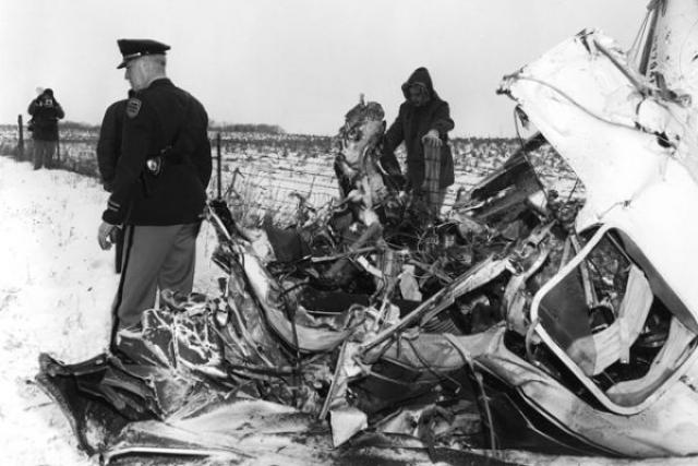 Питерсон не имел допуска к полетам по приборам без визуальных ориентиров.