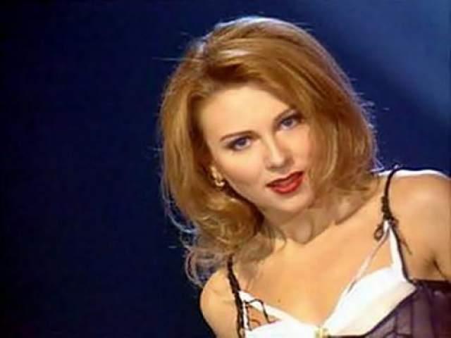 """Лариса Черникова Еще одна звезда 90-х, запомнившаяся такими хитами, как """"Я люблю тебя Дима"""" и """"Одинокий волк"""". Поклонники звезды очень удивились, когда набирающая популярность Черникова довольно стремительно исчезла с """"радаров"""""""