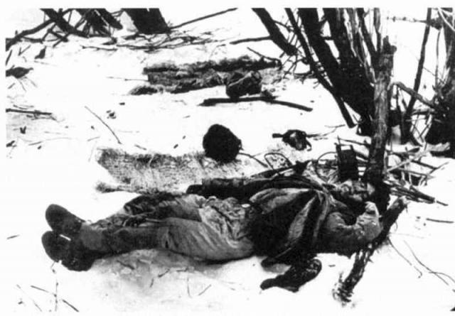 Около 13:00 китайцы начали отступление.