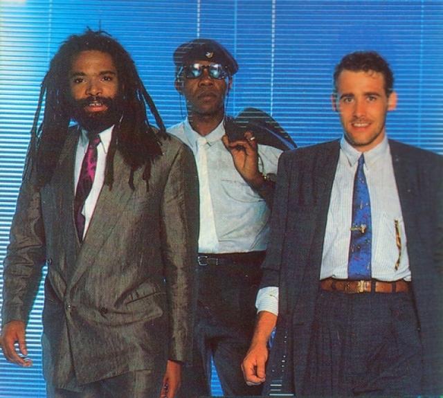 Bad Boys Blue . Евродиско-группа, образованная в Кёльне в 1984 году, которая за свою историю выпустила около 30 хит-синглов, попавших в чарты многих стран мира, в том числе и в США.