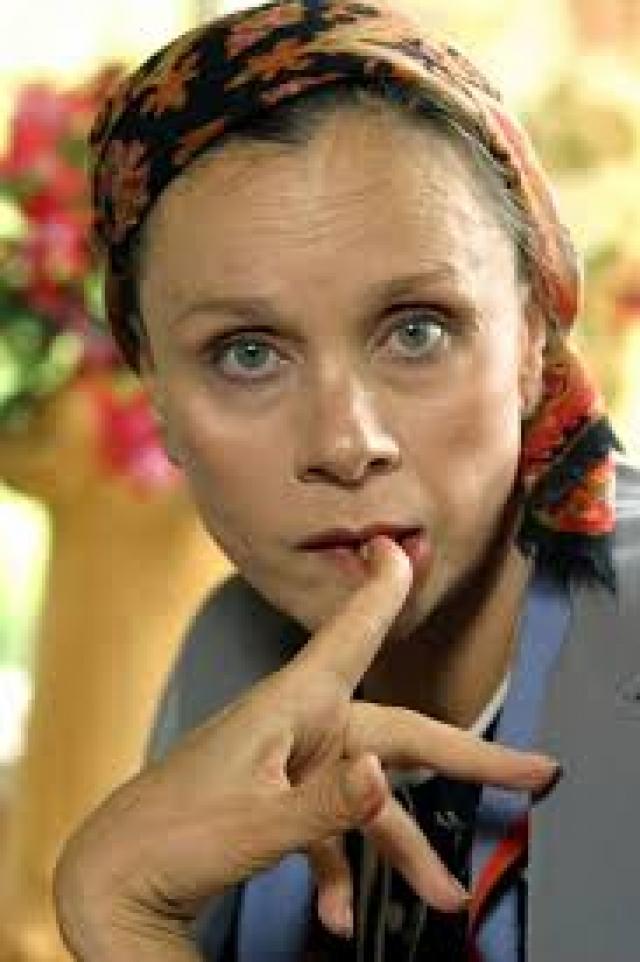 В 2005 году у артистки диагностировали саркому позвоночника, и ей пришлось лечь на лечение в Боткинскую больницу и в Институт хирургии имени А. В. Вишневского.