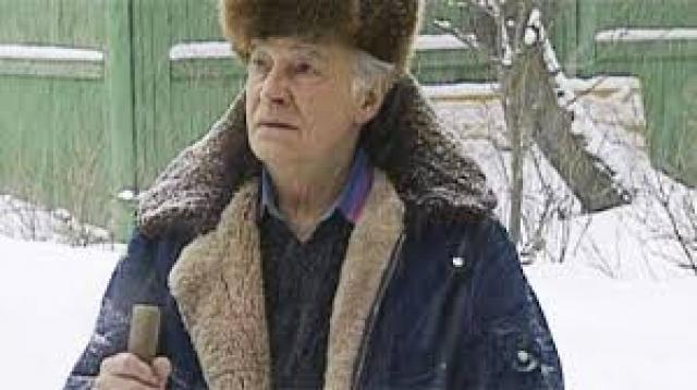 """Тихонов не жаловался, лишь изредка говорил: """"Если бы я был сейчас занят, как раньше, то мог бы помогать дочери""""."""