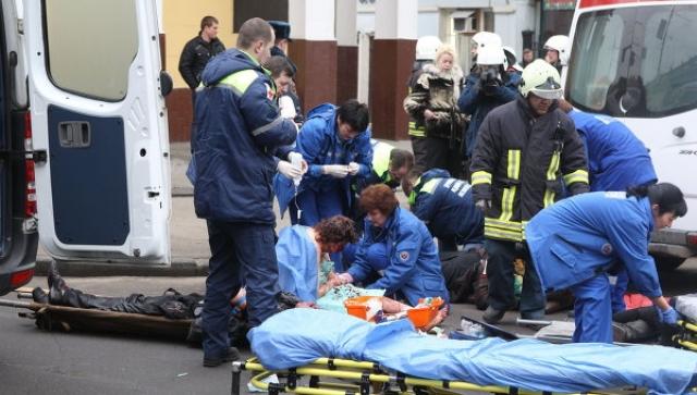 """Второй взрыв произошел на станции метро """"Парк культуры""""-радиальная в 08:39, в 3 вагоне от начала, следующем в сторону станции """"Бульвар Рокоссовского""""."""