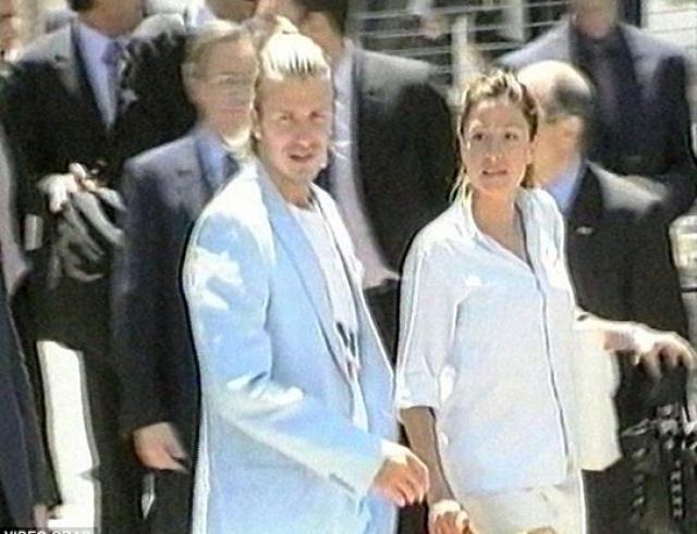 Дэвид Бекхэм. Брак футболиста и певицы Виктории Адамс считался идеальным до того момента, пока в апреле 2004 года в одной из английских газет не появилась статья, в которой утверждалось, что Бекхэм изменял жене со своим личным секретарем Ребеккой Лус.