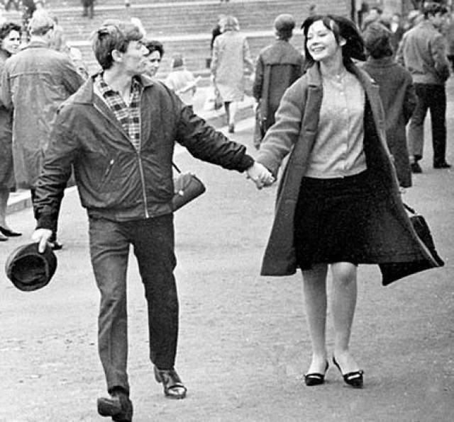В 1967 году женой Збруева стала его коллега Людмила Савельева, которая вскоре родила ему дочь. Супруга догадывалась, что муж ей неверен, но не могла представить, что на стороне у него были не мимолетные интрижки, а многолетние отношения с одной и той же женщиной.