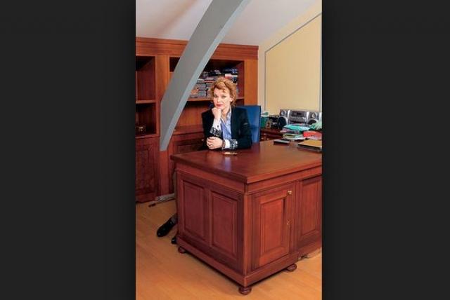 """Лада Дэнс - руководитель агентства """"Безупречный персонал"""", который она открыла после того, как не смогла найти няню для собственного ребенка."""