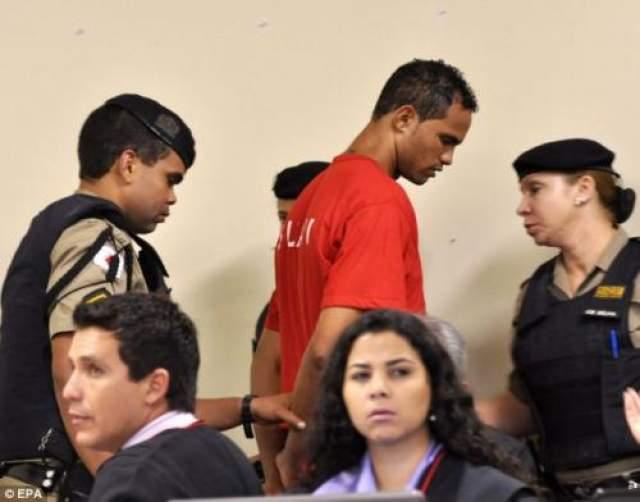 """В декабре 2010 года суд приговорил вратаря """"Фламенго"""" к 4,5 годам тюрьмы, а уже в 2013 году Бруно был приговорен к 22 годам лишения свободы. Его сообщники также получили различные тюремные сроки."""