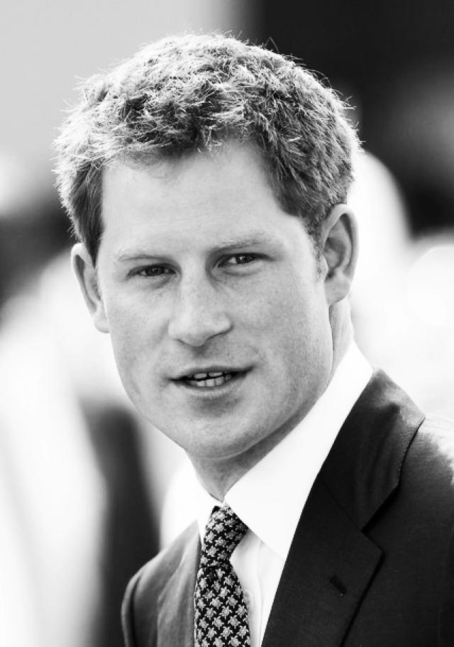 Принц, как и его мама, много времени уделяет благотворительности. Еще в 2003 году он снял фильм о жизни африканских сирот из Лесото. Гарри пробовал себя в качестве брокера на бирже, где даже заработал несколько миллионов фунтов опять же на благотворительные нужды.