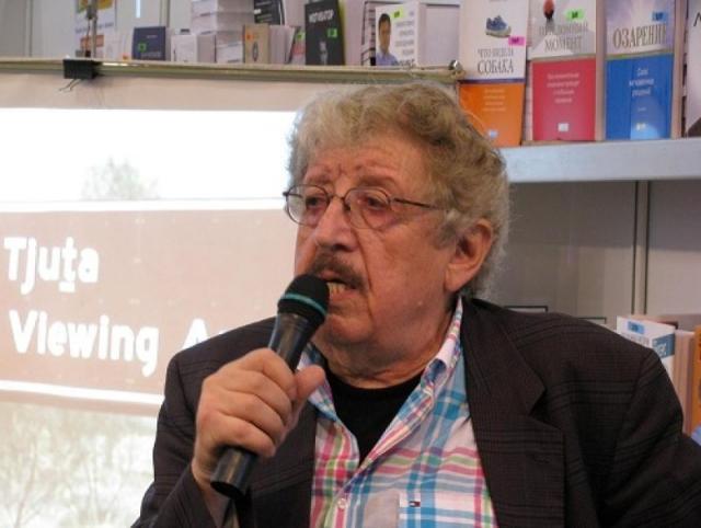 Четвертым и последним мужем Татьяны Самойловой был писатель, журналист и режиссер Соломон Шульман, с которым они прожили вместе 4 года, расставшись по обоюдному согласию.