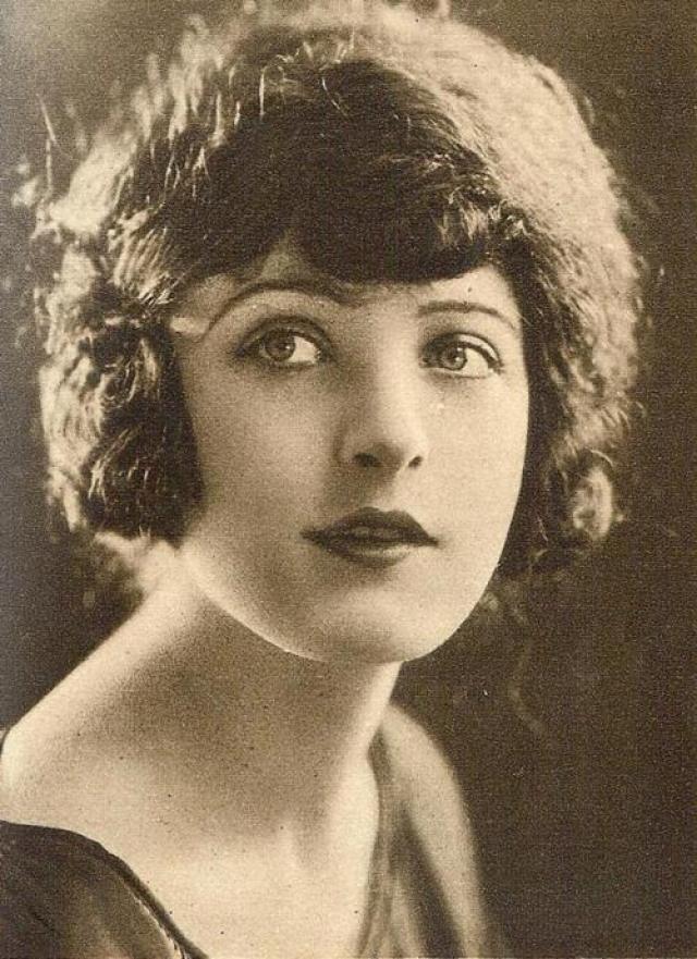 Марта Мэнсфилд – одновременно актриса, игравшая в водевилях, и звезда американского немого кино.