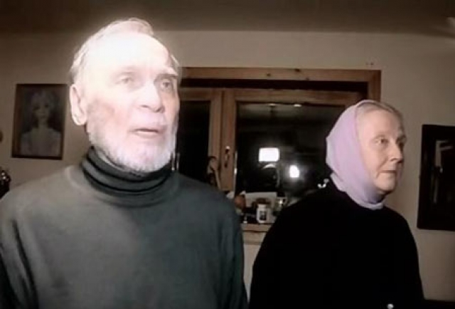 Каждое утро Владимир Петрович и Наталья Ивановна проводят службу в церкви, как и каждый вечер.