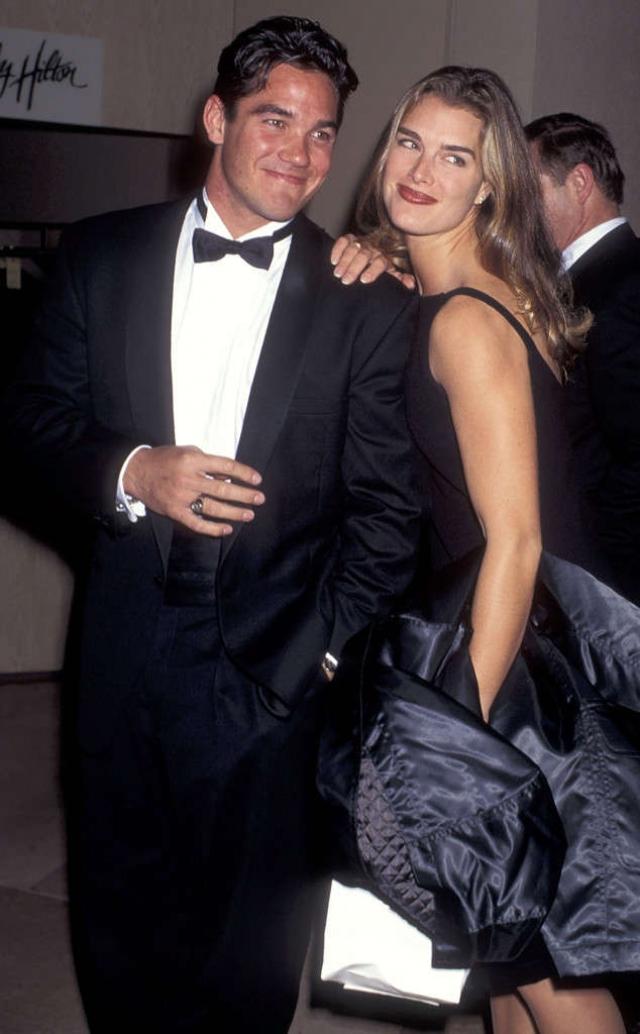 Брук Шилдс. Актриса хранила невинность 22 года. Счастливчиком оказался актер Дин Кейн. До этого Шилдс дала обет целомудрия, но перед актером устоять не смогла.