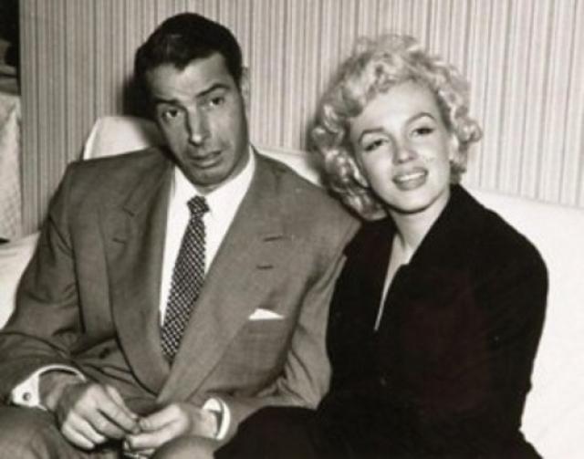 На почве ревности они и развелись в октябре 1954 года.