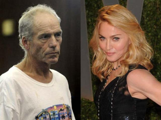 Несколько лет назад полиция Нью-Йорка предотвратила покушение на Мадонну . Возле квартиры певицы был задержан подозрительный мужчина с 19-сантиметровым ледорубом.