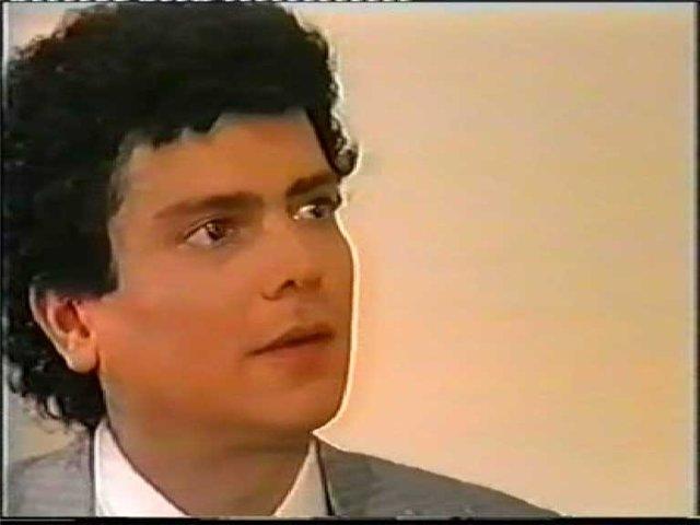 Хайме Гарса. В Мексике Хайме Гарса известен не только как исполнитель роли Виктора, но еще и как эстрадный певец, исполнитель народных песен и песен о любви. Хайме Гарса выпустил уже более 20 альбомов и спел свыше 500 песен.