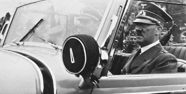 Гитлер никогда не обучался вождению, однако именно он возглавлял разработку Volkswagen, у которого даже первый логотип состоял из свастики.
