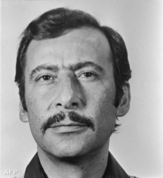 Сначала Карлос занимался сбором информации, составив список из 500 человек - потенциальных целей организации. Но после того как в июне 1973 г. израильские агенты убили Будию, Карлос и Мишель Мухарбаль становятся во главе операций в Европе.