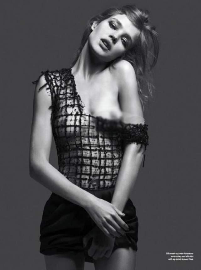 Как модель Наталья Водянова , наверняка, привыкла к довольно откровенным фото, потому, скорее всего их публикация девушку не огорчает, а даже наоборот.