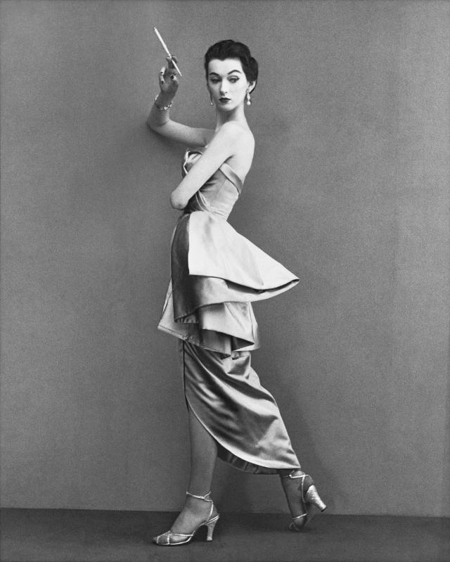 Довима. Красивое имя будущая модель еще маленькой девочкой составила из первых слогов своего имени Дороти Вирджиния Маргарет Джуба. Так она подписывала свои рисунки.