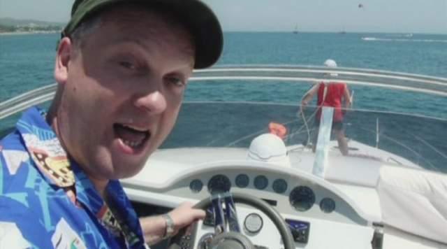 Хотя известно, что во время отдыха Сергей любит поуправлять самолетом, квадроциклом, лодкой или яхтой.