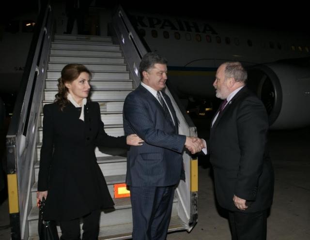 Во время визита в Израиль президент Украины Петр Порошенко удивил пользователей социальных сетей.